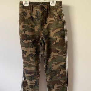 abercrombie and fitch camo pants